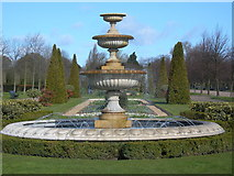 TQ2882 : Fountain in Regent's Park by Danny P Robinson
