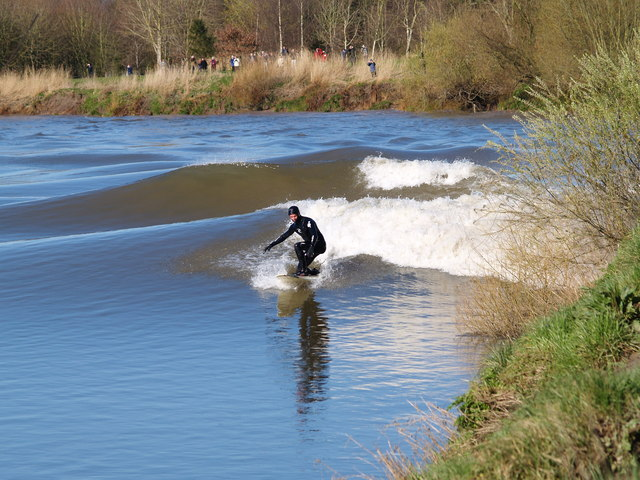 Surfing the Severn bore. Minsterworth. 21/3/07
