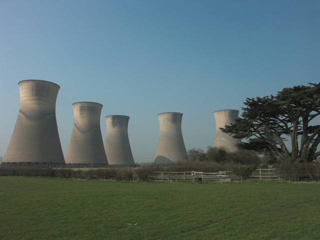Cooling towers at Willington Power Station