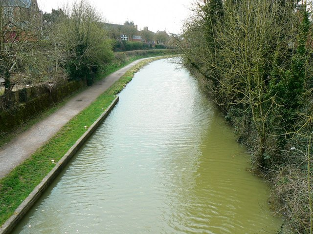 Kennet and Avon canal, from Northgate Street bridge, Devizes