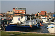 SO8453 : Blue Boat Diglis basin. by Chris Allen