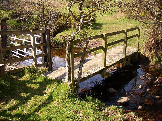 Footbridge and ford at Middleton Dean