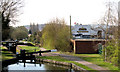SO8986 : Locks and Canalside Pub, Stourbridge Canal, West Midlands by Roger  Kidd