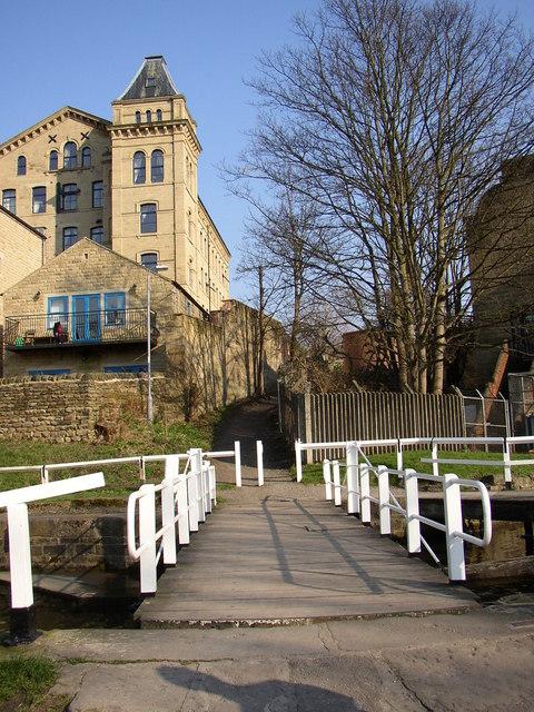 Beck Lane, Bingley