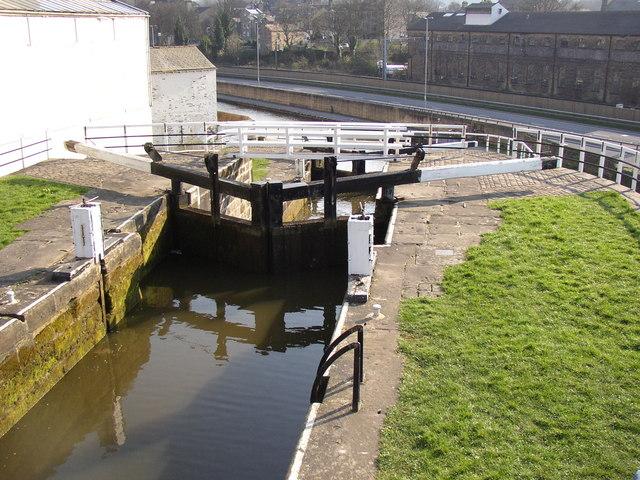 Three-rise locks from the top, Bingley