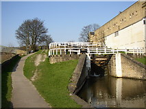 SE1039 : The three-rise locks from the bottom, Bingley by Humphrey Bolton