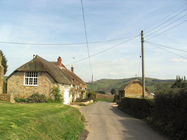Cottages and overhead wires at North Chideock