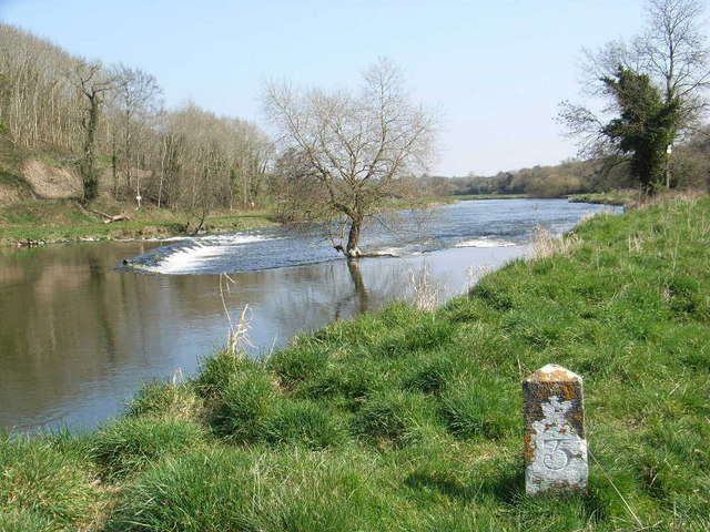 Weir on Boyne Near Stackallen