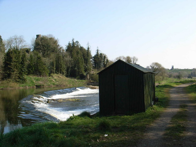 Weir on the Boyne at Ardmulchan / Dunmoe