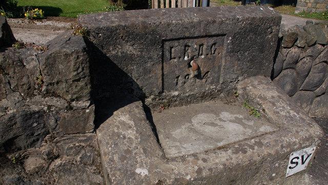Old water trough, Glenoe