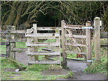 SD7217 : Gate on footpath to Wayoh Reservoir by liz dawson