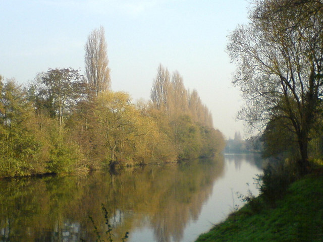 River Thames with Desborough Island to the left