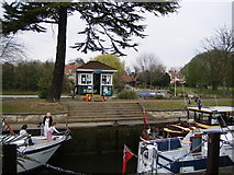TQ0172 : Bell Weir Lock, River Thames by Ray Stanton