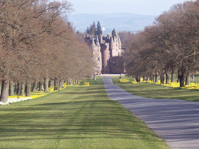 The approach to Glamis Castle