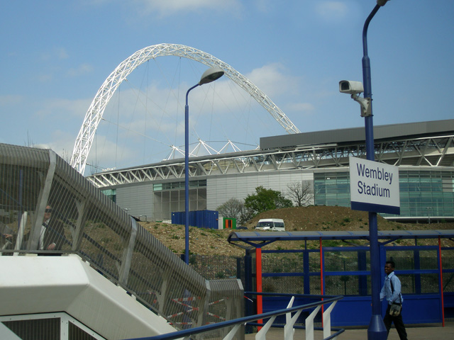 Wembley Stadium arch from rail station