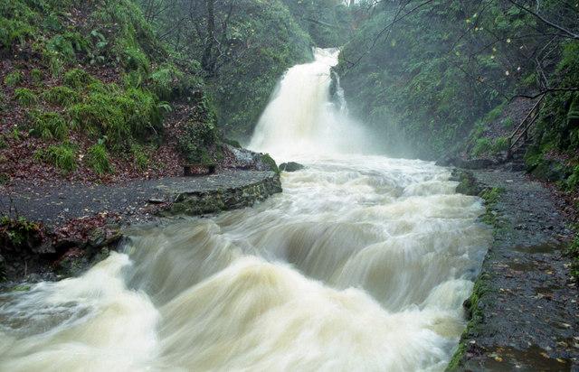 Glenoe waterfall (16)