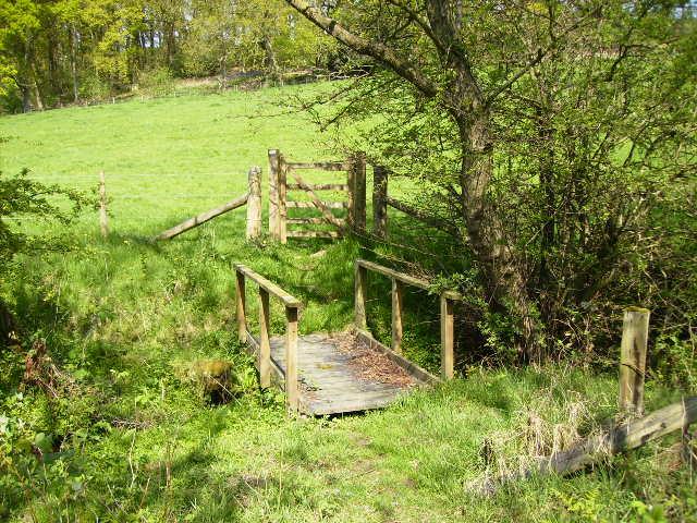 Footbridge on public right of way near Swathgill