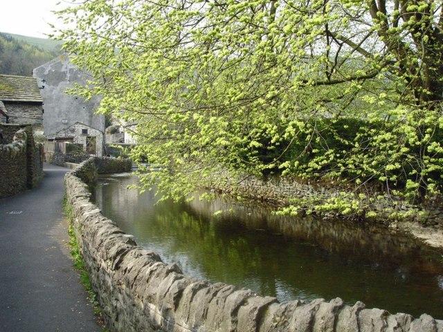Castleton - footpath to Goose Hill beside stream