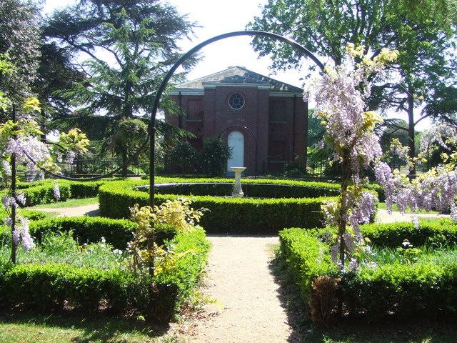 Italian Garden and Temple, Gunnersbury Park