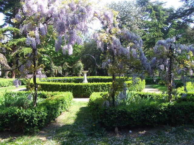 Italian Garden, Gunnersbury Park