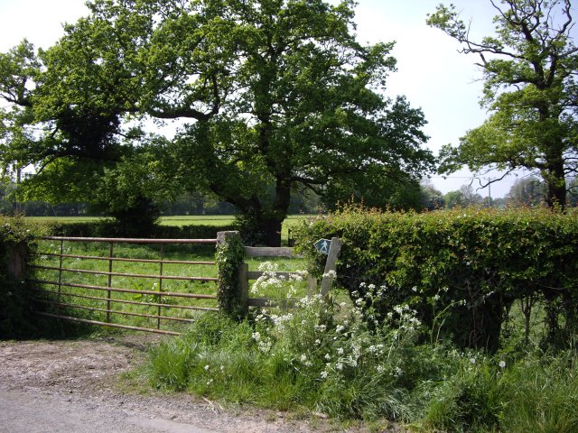 Start of Footpath to Stapeley Hall on Annions Lane