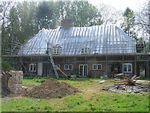 TR0149 : Challock Manor/Church Cottages under restoration by David Elvin