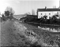 ST9561 : Sells Green Bridge, Kennet and Avon Canal by Dr Neil Clifton