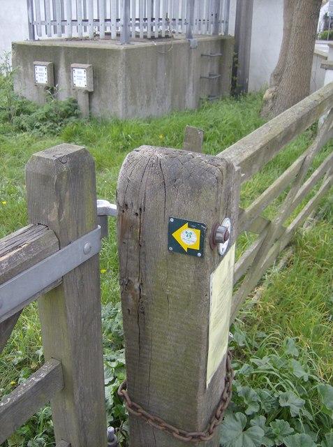 Macmillan Way sign