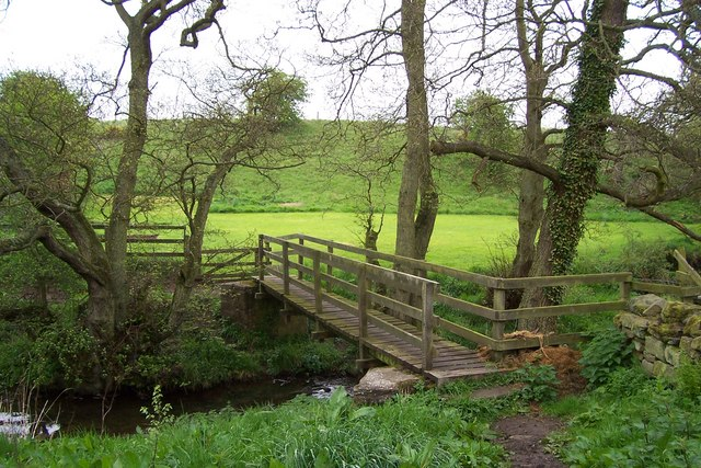 Footbridge over the Cow Close Burn at Witton Shields