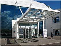 NT2970 : Main Entrance, Edinburgh Royal Infirmary by Lisa Jarvis