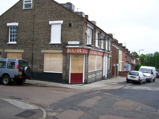 Disused pub in Croft Street