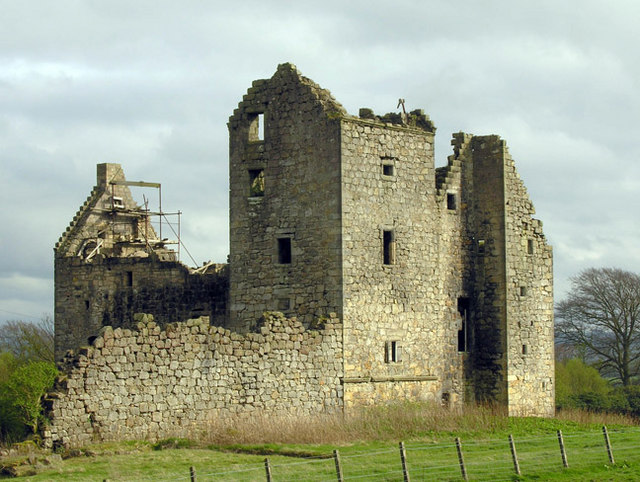 Torwood Castle ruin April 2007