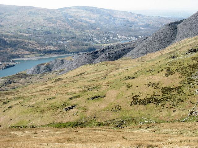 Part of the shoulder of the Nant Peris valley below Esgair y Ceunant