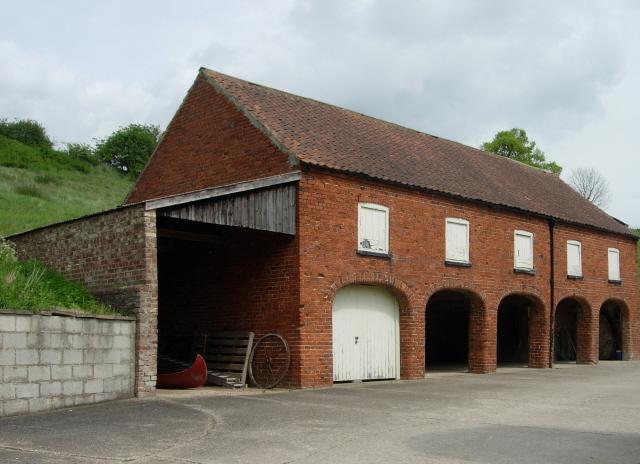 Interesting farm building at Wood House near to Rabbit Slack