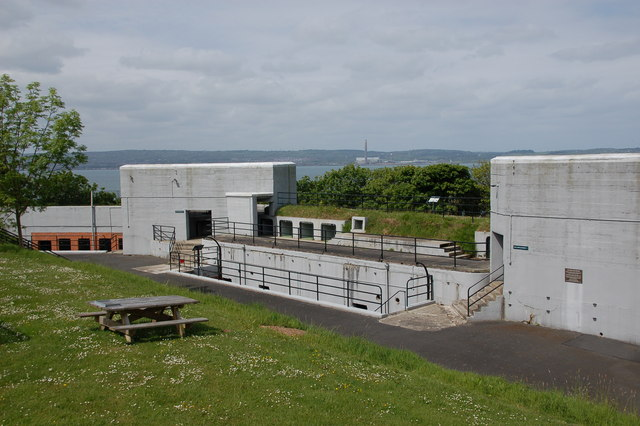Grey Point Fort, Helen's Bay (2)