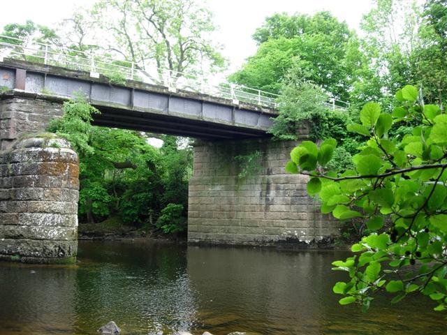 Disused railway bridge over the river Swale