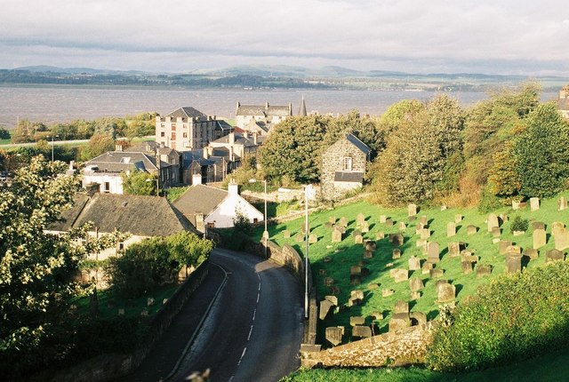 Bo'ness: view over town © Chris Downer :: Geograph Britain
