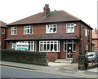 SE2334 : Swinnow Road Dental Practice by Betty Longbottom