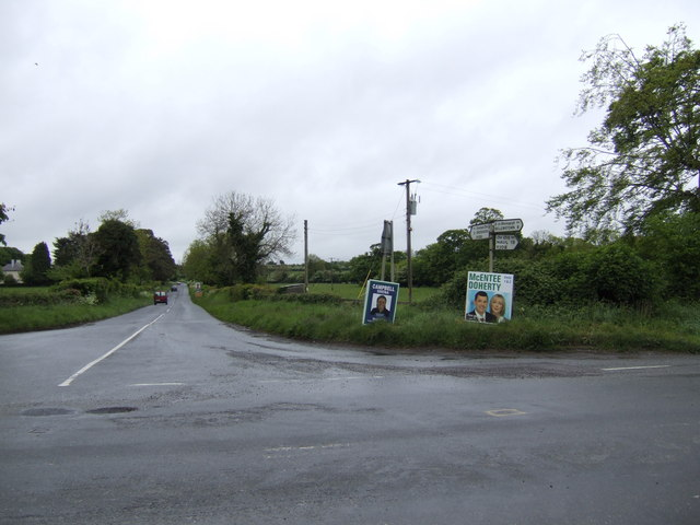 Crossroads on the R108 south of Drogheda