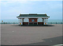 TQ2804 : Shelter, King's Esplanade by Simon Carey