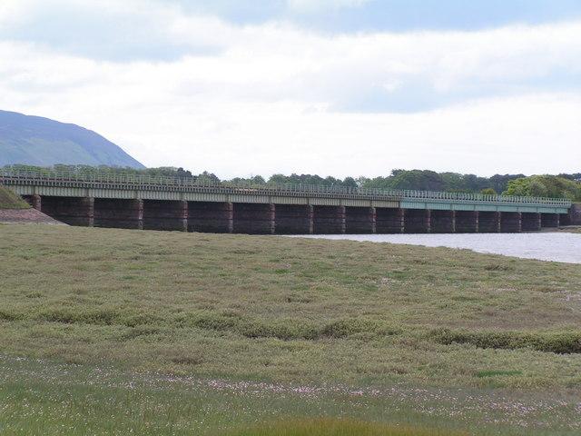 Railway bridge over the Esk