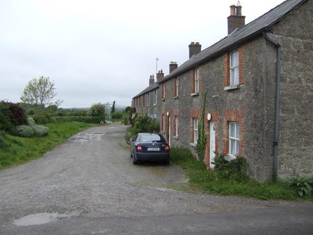 Row of stone cottages near Oldbridge