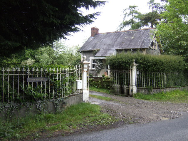 House by the gateway to Rossnaree