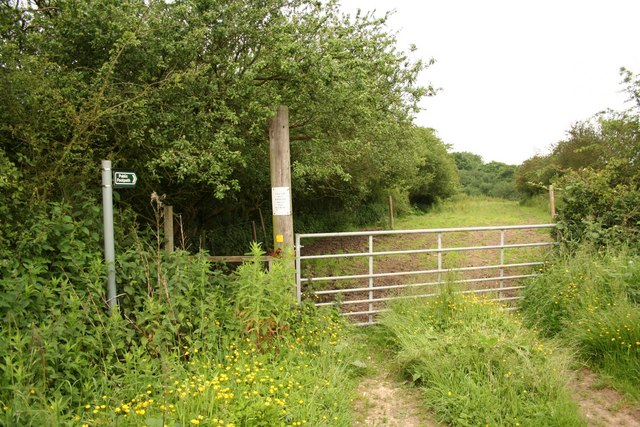 Footpath to Castle Hill