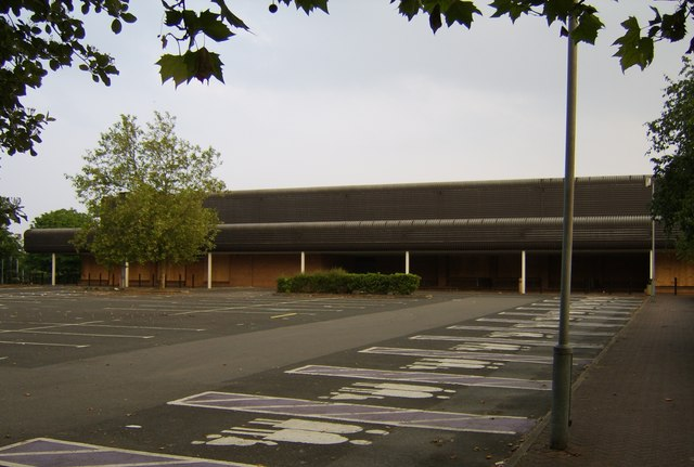 Former Tesco Now Boarded Up