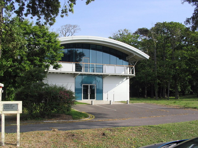 The Billy Deacon Building, Highcliffe