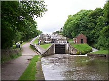 SE1039 : Five Rise Locks, Bingley by Joe Regan