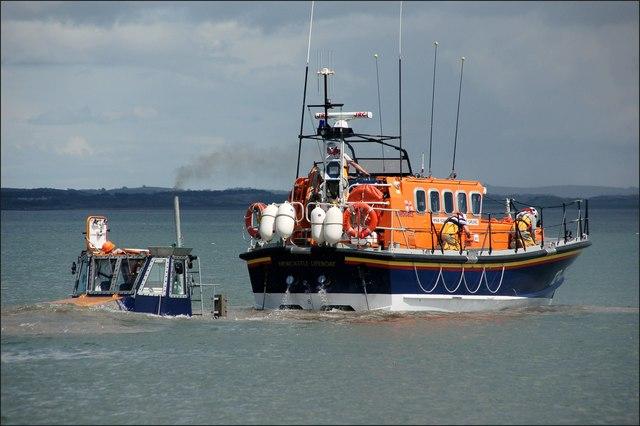 Launching Newcastle lifeboat (5 of 7)