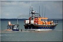 J3729 : Launching Newcastle lifeboat (5 of 7) by Albert Bridge