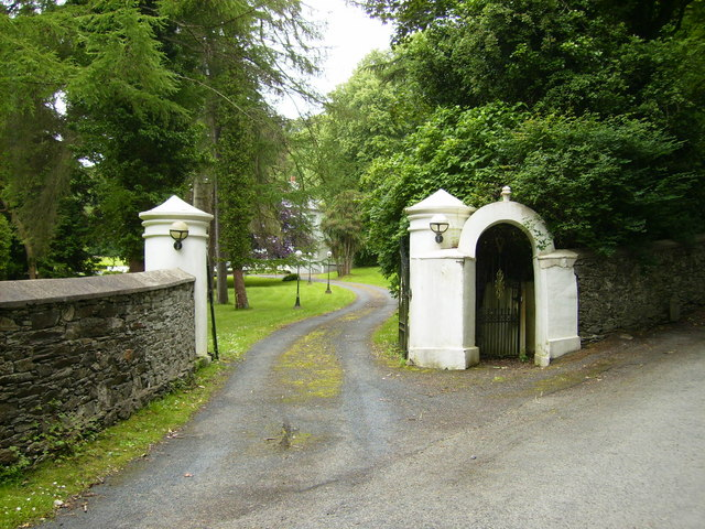 Driveway to the former Ravensdale Hotel
